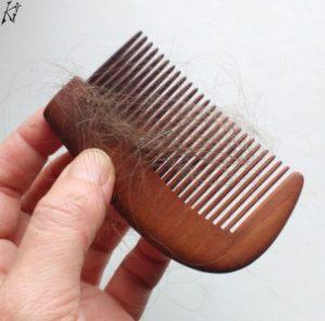 ausgefallene haare holzkamm